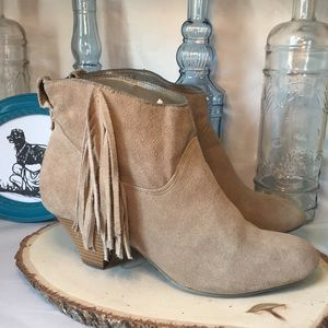 AE Soft Suede Booties Sz 8